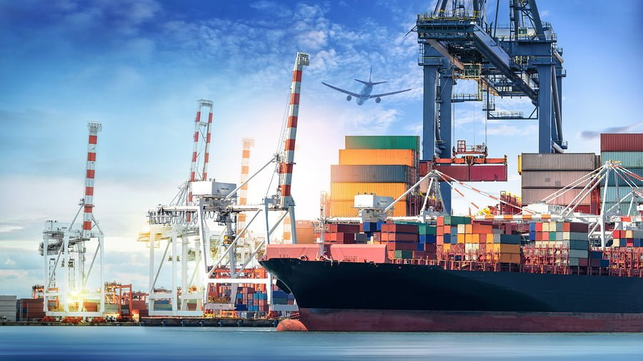 What Does a Freight Forwarder Do?